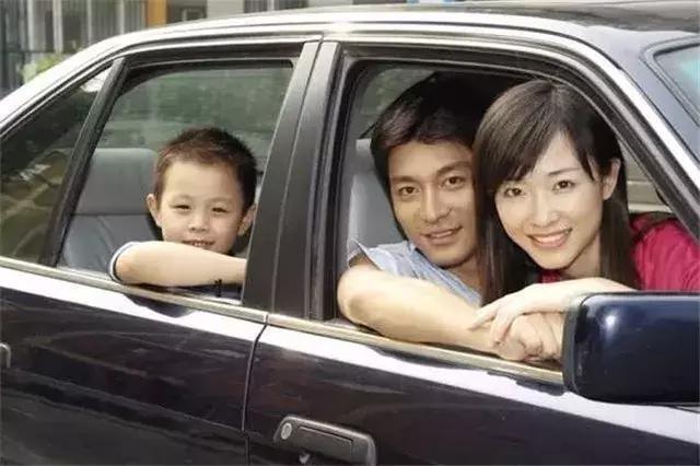 车险有哪些,这4种车险必须买,少一个都不行,看你少了哪个?