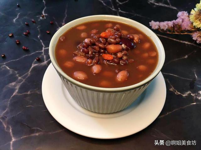 """五红汤的做法和功效,天冷女人要常吃红色食物,教你""""五红汤""""做法,吃完从头暖到脚"""