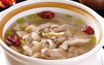 猪肚鸡汤怎么煲,猪肚鸡汤,营养好喝,香气扑鼻,喝两大碗