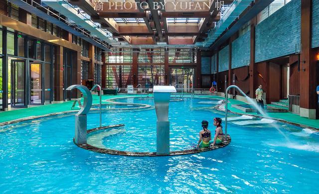 温泉的简介,世界温泉之都在中国,1600年前就已开始利用温泉,你知道是哪?