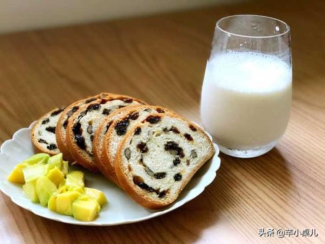 双十一好吃零食种草:这面包了不起,嚼着喷香,里面还塞满果仁