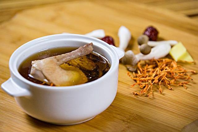 鸽子汤的做法,欢乐番茄丨鸽子汤的做法,放两类食材,鲜香又滋补