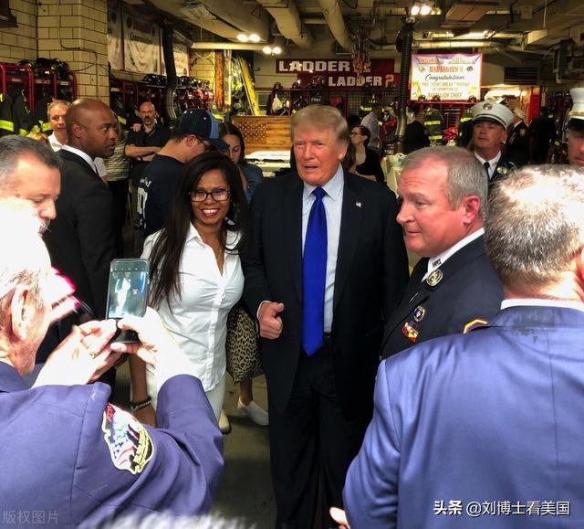 特朗普去了纽约一警局,重复谎言抨击拜登对是否再次竞选避而不答 全球新闻风头榜 第2张