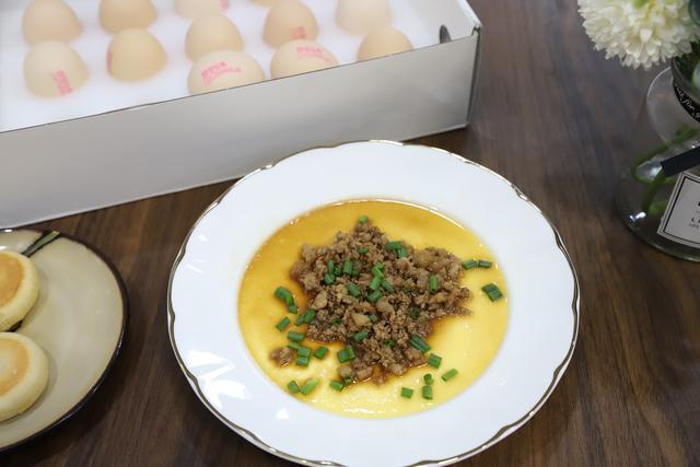水蒸蛋的做法,在家做水蒸蛋,滑嫩如布丁,细腻无气孔,方法简单人人能学会