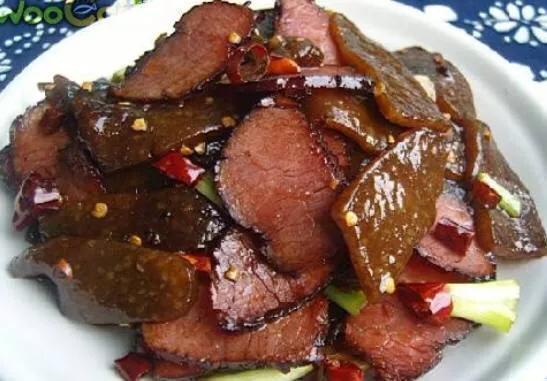 蕨粉的吃法,故乡难忘的山珍美食,蕨粑炒腊肉