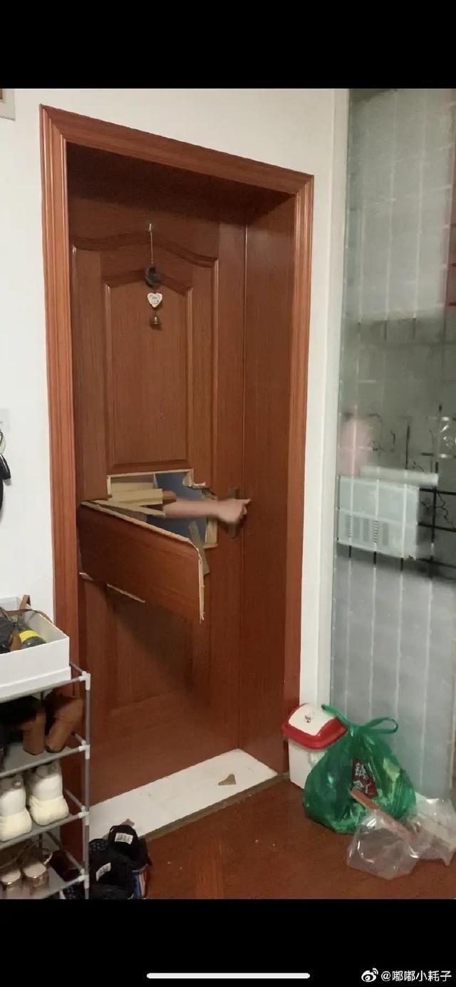 江苏泰州一女子发帖称遭陌生男子破门而入 警方:已立案 正抓捕嫌疑人