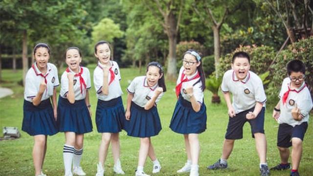对朋友的话,何炅:人只能要求自己!关于朋友,家长应该让孩子记住的4句话