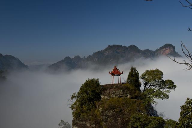 """齐云山风景区,安徽又一山岳走红,堪称黄山""""小武当"""",不输黄山且享誉江南"""