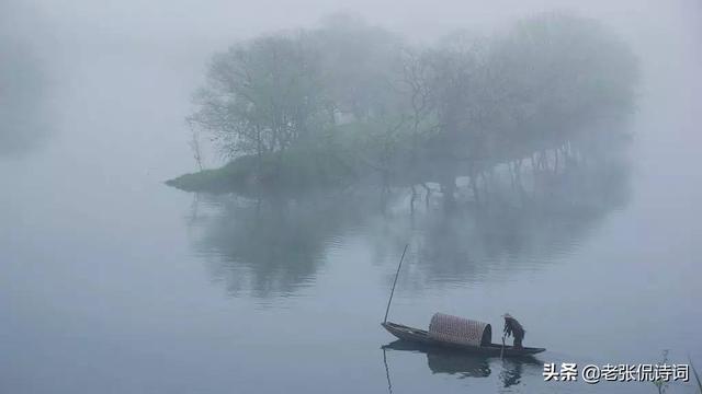 西湖的诗,900年前的6月27日,苏轼游西湖即兴赋诗一首,笔下是最壮观的雨水