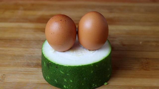 冬瓜的做法大全家常菜,1块冬瓜,2个鸡蛋,没想到这么好吃,给红烧肉也不换,真香