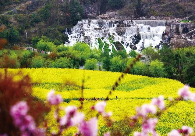 """苗族的传统节日是什么,贵州最有风情的春天,藏在""""村""""里"""