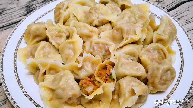 茄子馅饺子的做法,茄子包饺子,原来这么好吃,饭店都吃不到,比三鲜和肉馅都香