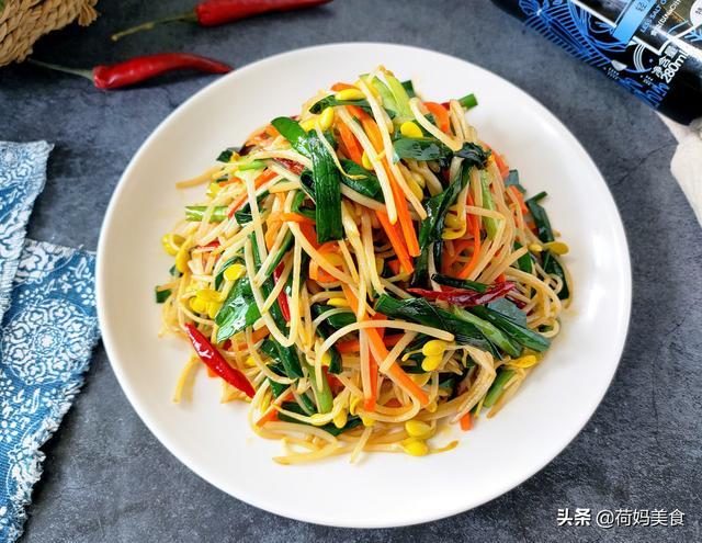 韭菜子的吃法,韭菜炒豆芽:几分钟就搞定,鲜嫩脆口,营养低脂不长肉