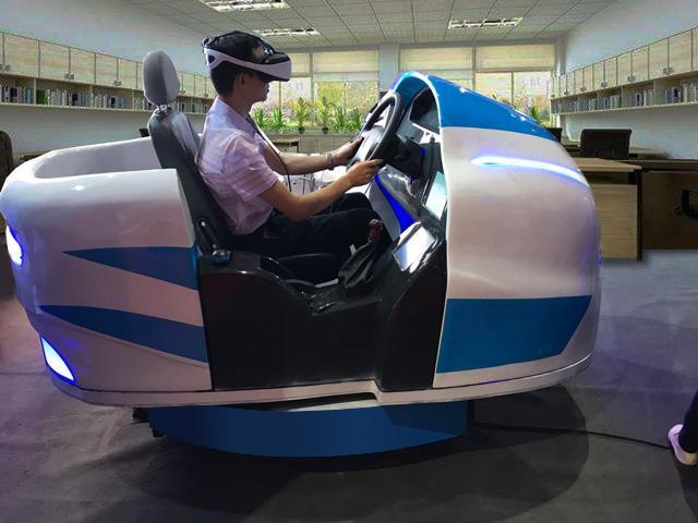 vr驾驶,夏天晒冬天冷,练车过程太煎熬?VR模拟驾驶让你轻松拿驾照