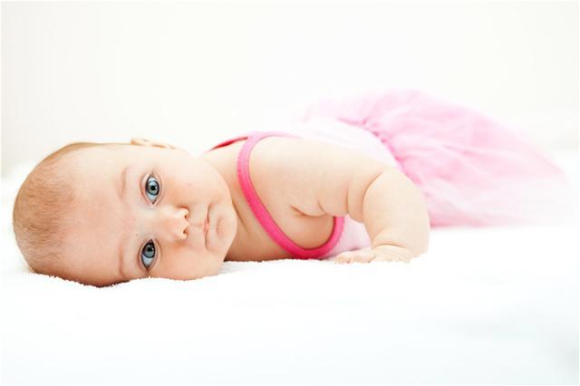 婴儿爱,宝宝有多爱你?这5个动作已经很明显了