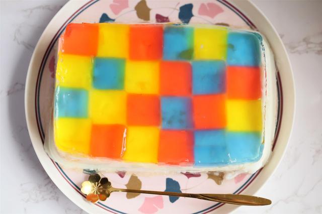 鸡蛋糕的家常做法,2个芒果3盒奶,自制生日蛋糕,口感似果冻孩子喜欢吃,做法简单