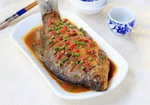 武昌鱼的做法,武昌鱼肉质细腻营养好,红烧最为合适啦,香煎也一样美滋滋