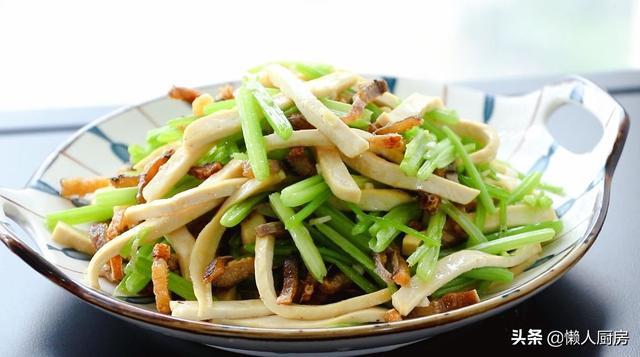鳗鱼干怎么吃比较好(做鳗鱼干配上芹菜和香干很美味)