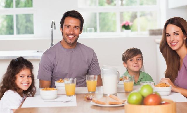 美食宝,优秀的孩子背后,有一位优秀的妈妈在默默付出,越吃越聪明的早餐