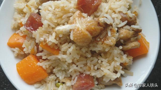 大米美食,米饭这样做太香了,冷天一周吃5次,香软过瘾,越吃越暖和,过瘾