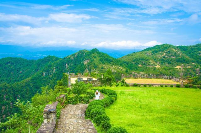 """天台山旅游风景区,""""浙东最美峡谷""""在天台,诗仙李白曾写诗盛誉,景美人还少"""