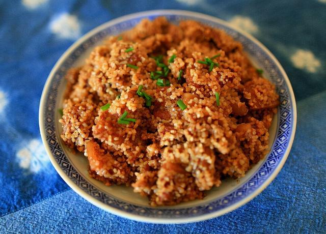 米粉肉的做法,粉蒸肉这么做,肥的软糯,瘦的鲜嫩,每做一次都光盘,分享做法