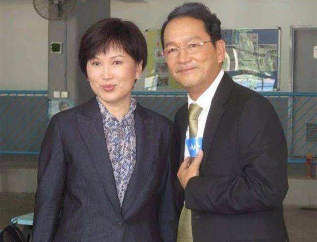 Chen Xiuwen đau khổ: mẹ chết, chị gái đoạn tuyệt, con trai mắc chứng tự kỷ, chồng mất hết tài sản và không ly hôn