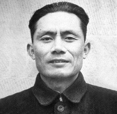 姓邓的名人,红色特工之王邓发:救过无数人的命,却意外死于飞机失事
