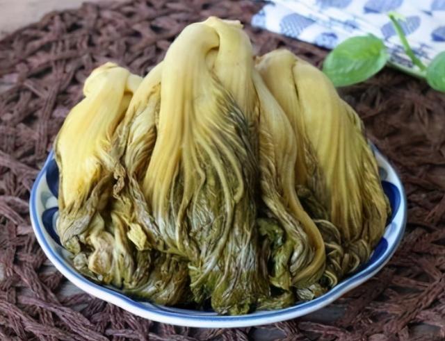酸菜的做法,教你做酸菜,几十年老方法,不加盐就能做,做好酸爽清脆,特开胃