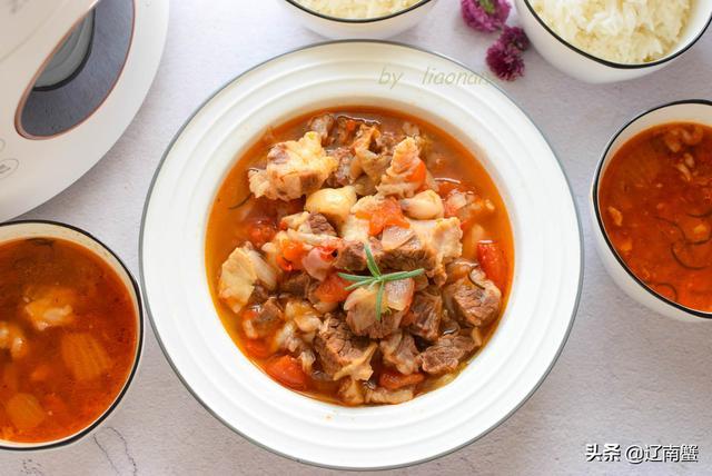 西红柿炖牛肉的做法,西红柿炖牛肉这样做,汤比肉还要抢手,蟹姐家隔三差五必做一次