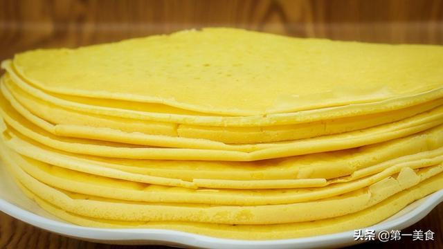玉米烙的做法,玉米面饼怎么做?加杯牛奶,搅一搅直接上锅烙,口口柔软香甜