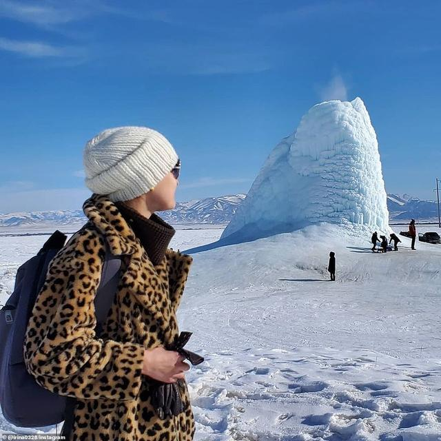"""冻雨形成的条件,哈萨克斯坦出现""""冰火山"""",喷水成冰,它到底是怎么形成的?"""