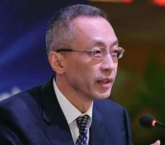 上海检察院第二院区依规以因涉嫌贪污罪、瞒报海外储蓄罪对穆矢做