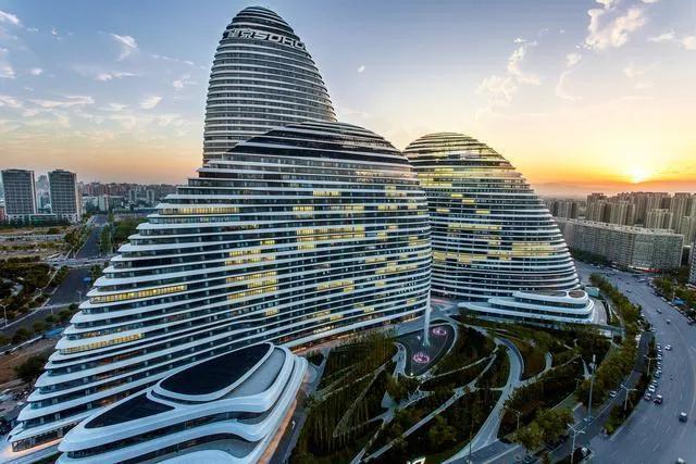王健林在SOHO我国租用表彰会上,半夜三更发过好数次公示