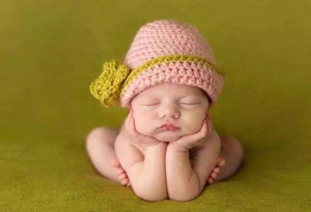6个月婴儿,6个月宝宝发育得好不好?看这5个方面,都具备说明娃发育的好