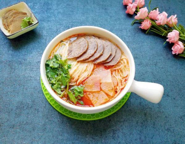 牛骨汤的做法,清汤牛肉面#精品菜谱挑战赛#