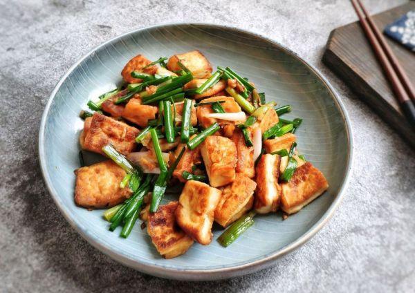 香煎豆腐的做法,#做道懒人菜,轻松享假期#香煎豆腐