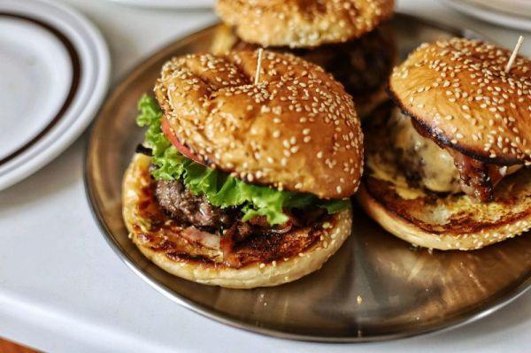 牛肉汉堡的做法,别再出去吃了,牛肉汉堡自己做更好吃