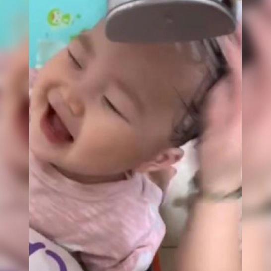 婴儿洗发,给宝宝洗头难?家长只要掌握正确的方法,宝宝就会享受这个过程