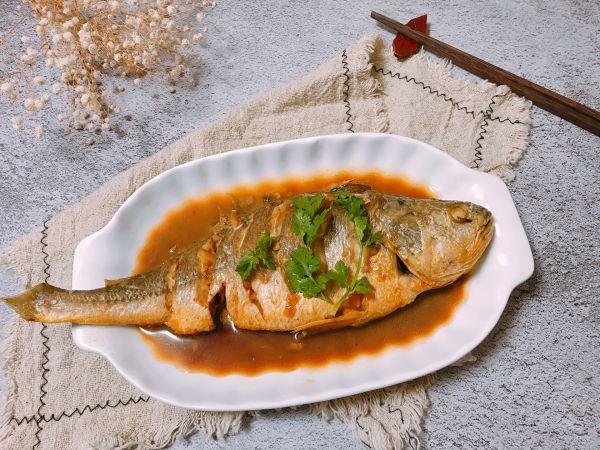 大黄花鱼的做法,#福气年夜菜#家常烧黄花鱼
