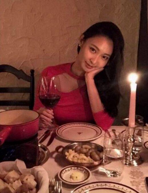 35岁前港姐冠军张舒雅近照曝光 肌肤细腻美腿吸睛 全球新闻风头榜 第3张