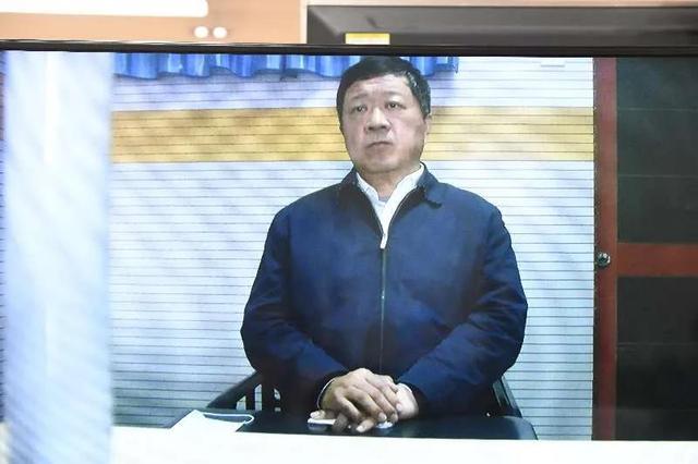 山东警察学院原党委书记张春义受审,被控受贿1190万余元