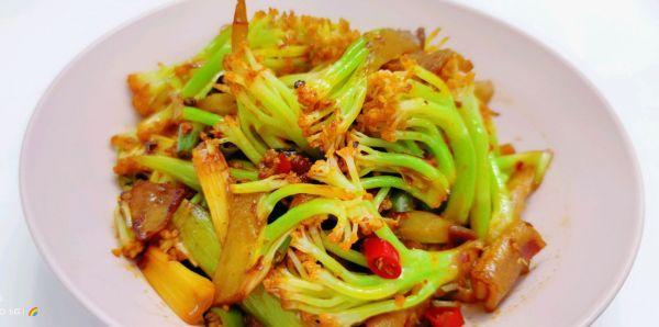 干锅菜花的做法,干锅花菜