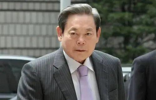 """三星集团""""操控一族""""必须向韩的金融企业开展千余万美元无担保融"""
