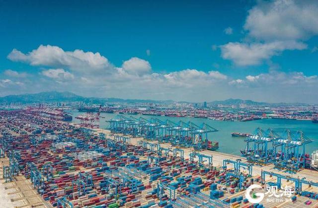 """山东港口青岛港""""登上""""东亚海运集装箱货运量超过釜山港,稳居全"""