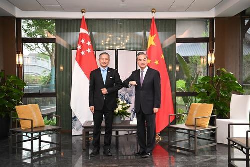 王毅同新加坡外长维文举行会谈 全球新闻风头榜 第2张