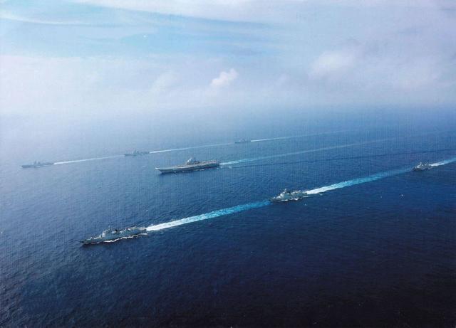 辽宁舰航母编队在台湾周边海域训练,台防务部门又老调重弹