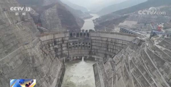 世界在建最大水电工程白鹤滩水电站正式蓄水 预计明年7月将投产发电 全球新闻风头榜 第1张