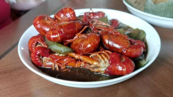 龙虾的正确吃法,#烤究美味 灵魂就酱#大厨级炒龙虾