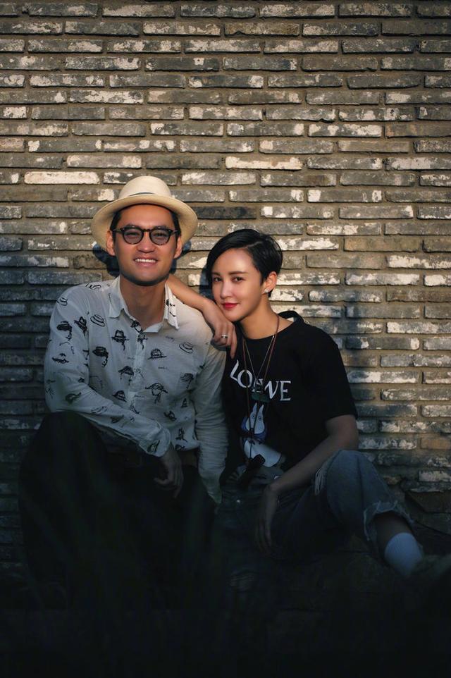 张歆艺庆结婚五周年晒照 与袁弘接吻超甜蜜 全球新闻风头榜 第8张